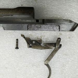 Demontarea armei în părți componente.